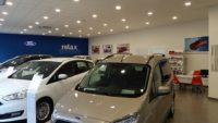 Exposición de vehículos nuevos