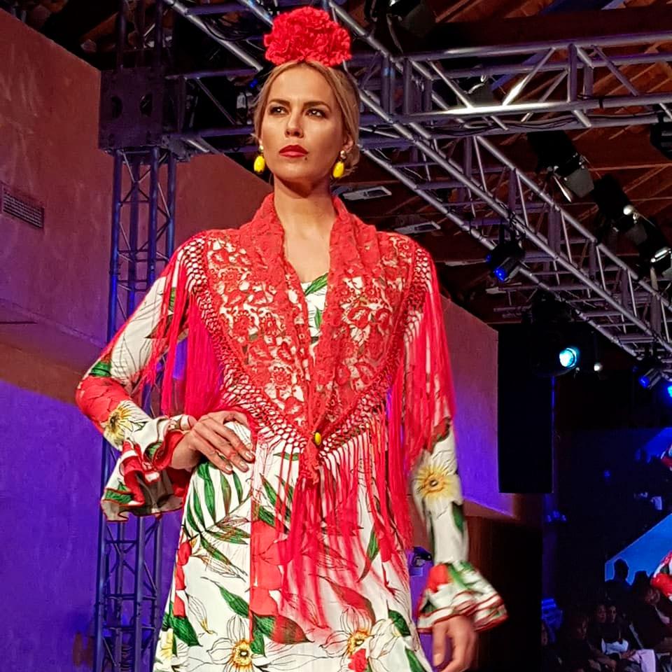 Desfile-de-Moda-Flamenca-Hermanas-Serrano-en-el-Teatro-Municipal-2