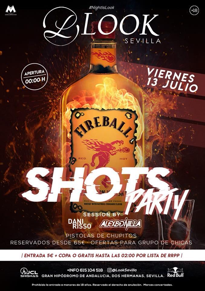 Shots Party Fireball en Look Sevilla con pistolas de chupitos