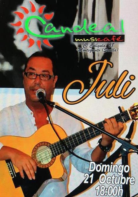 Juli en Candeal Café con el mejor flamenquito en Montequinto