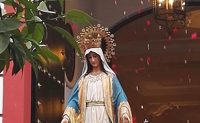 Photo of Procesión de la Virgen Milagrosa del colegio Sagrada Familia