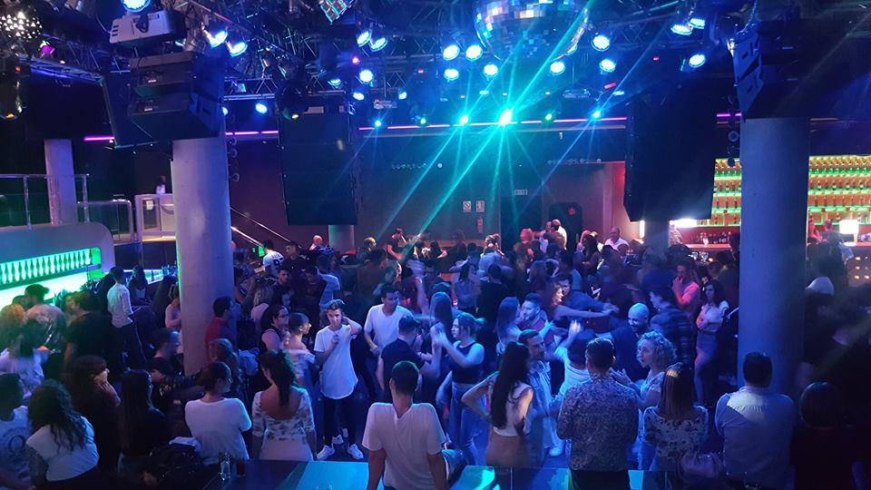 Bailes latinos B3 Sevilla en La Rosa Negra Dos Hermanas