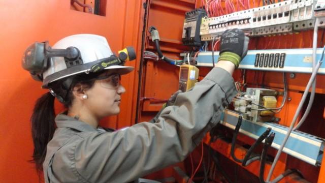 Photo of Curso para Mujeres: Auxiliar de Montaje y Mantenimiento de equipos Electrónicos y Eléctricos