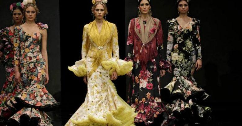 Photo of Desfile benéfico de modelos de trajes de flamencas en el Teatro Municipal